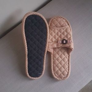 New fabric slippers